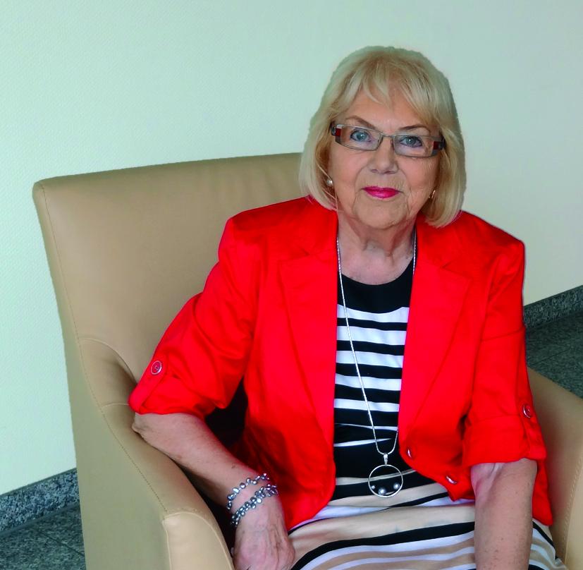 Frau Liane Reiß